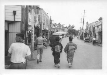 Kamakura street scene, July, 1953